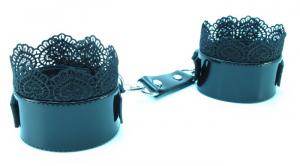 Изысканные дизайнерские наручники с кружевом Black BDSM Light , натуральная лаковая кожа, черные