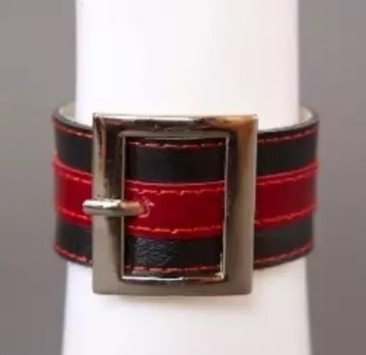 АКЦИЯ 15%! Браслет с квадратной пряжкой, натуральная кожа, черно-красный