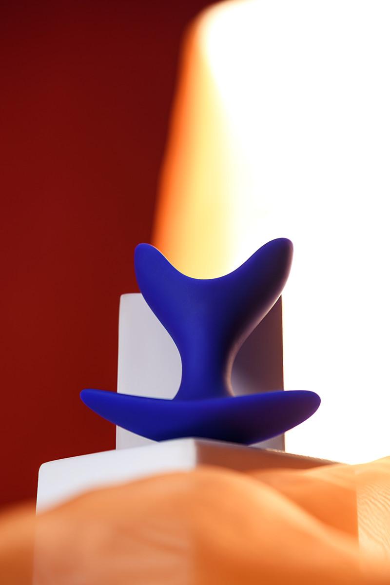 Расширяющая анальная втулкаTODO BY TOYFA BLOOM, силикон, синяя, 9 см, Ø 6,5 см