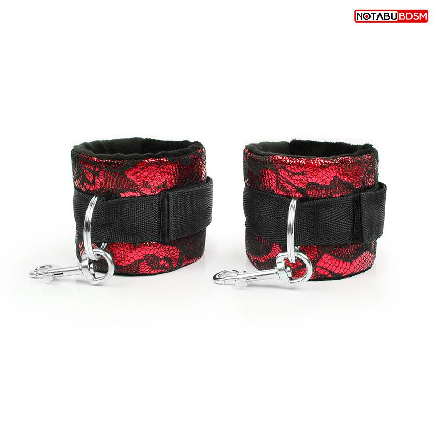 Наручники,  украшенные кружевом, с подкладкой,  цвет чёрный/красный