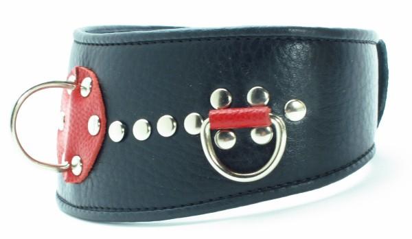 Ошейник, натуральная кожа, черный  с красными вставками, заклепками, 3D кольцами, 6 см