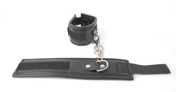 Наручники ERORAY на цепях с липучками, ПВХ,   цвет черный