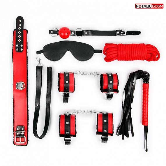 Красно-черный набор БДСМ: маска, кляп, верёвка, плётка, ошейник, наручники, оковы, эко-кожа
