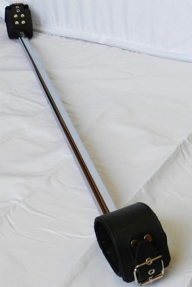 Комплект для фиксации ног Распорка, натуральная кожа, металл, черный с серебристым, 80 см.
